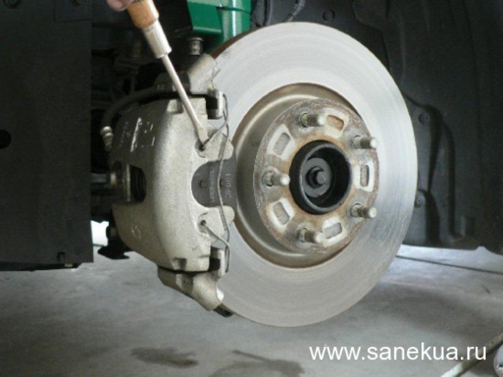 Замена тормозных дисков на патфайндер своими руками